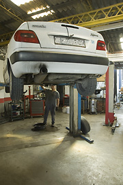Mechanics. Masjoan Car Workshop. Riudellots de la Selva. Girona